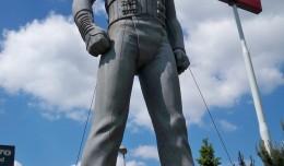 j statue